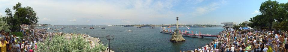 День ВМФ России, окончание парада кораблей. Панорама 360 градусов